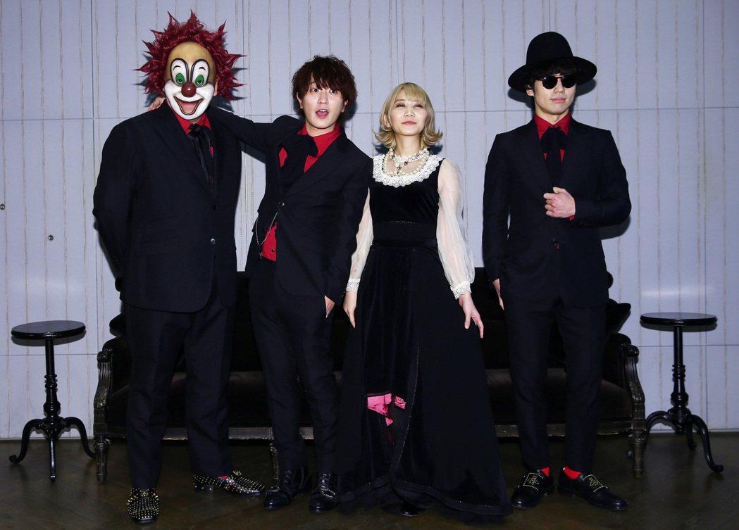 日本樂團世界末日 SEKAI NO OWARI來台宣傳,團員由左至右分別是DJ