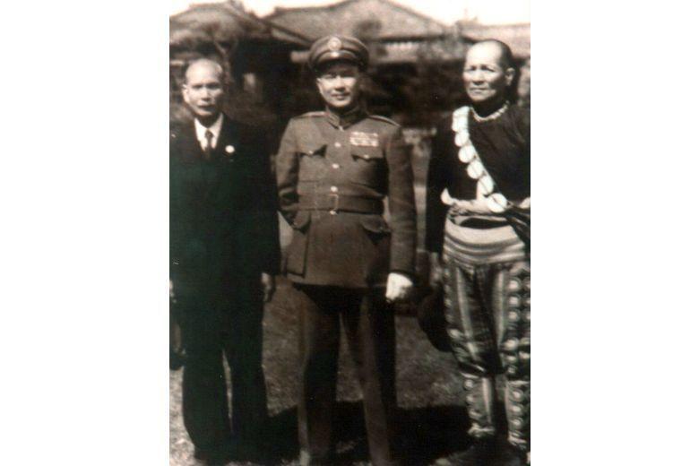 首位從事西醫的臺灣原住民卑南族的南志信(左),在二二八時期避免了台東發生衝突事件...