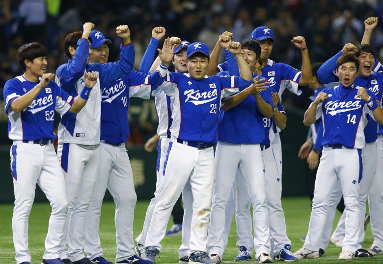 2015年WBSC的12強賽,韓國隊拿下冠軍為轉播的SBS帶來可觀的收視率。該場賽事平均收視率13.1%。 圖/美聯社