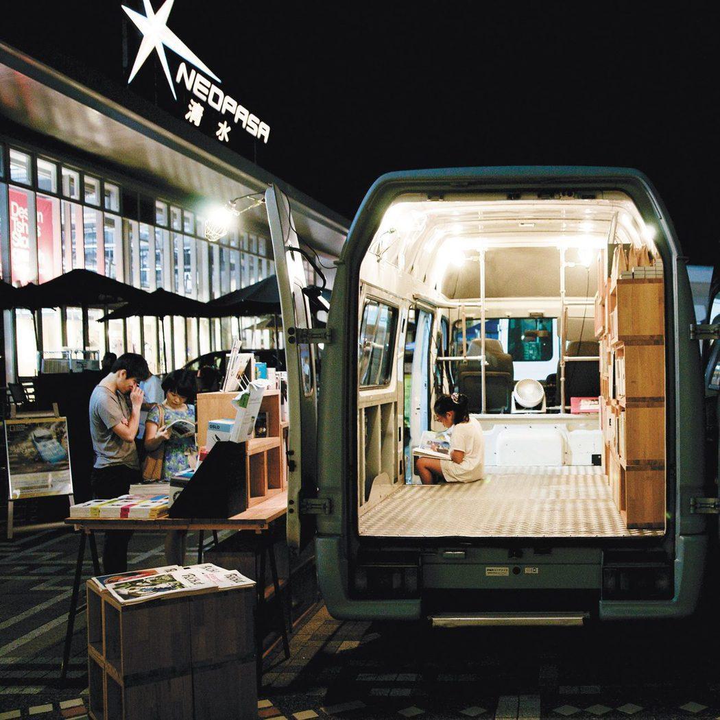 日本的高速公路服務區正走向休閒娛樂化。三田先生2015年夏天受邀到靜岡縣清水市 ...