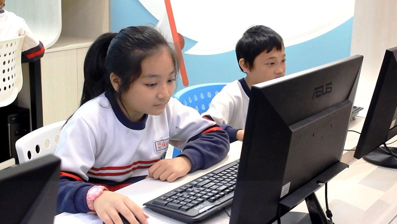 新北市立樟樹國際實創高級中等學校,有豐富的多媒體特色課程。記者林麒瑋╱攝影