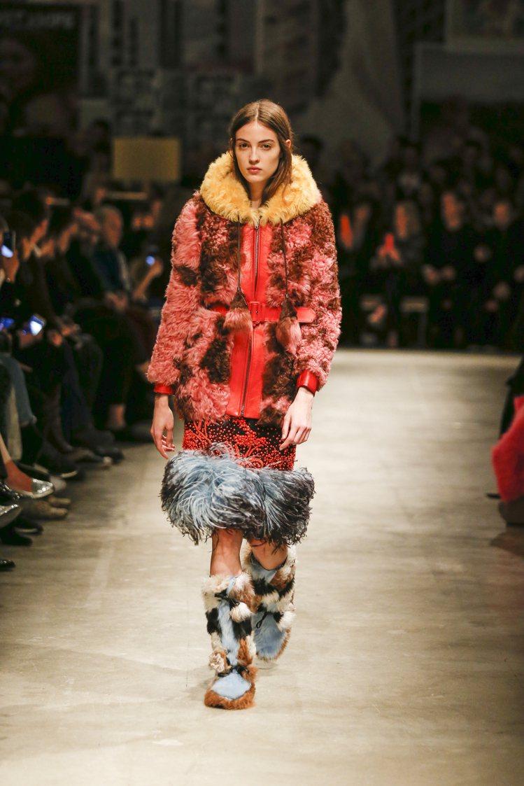 PRADA秋冬系列以搶眼的皮草、毛料包裹著女性之美。圖/PRADA提供