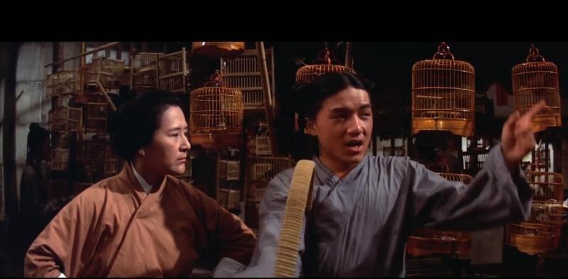 還是新人的成龍(右)與王萊在「金瓶雙艷」有對手戲。圖/翻攝自Daily Moti...