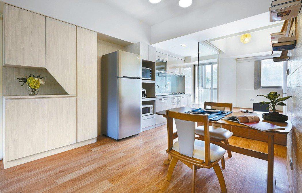 採開放式設計,讓小坪數空間明亮寬敞。 圖/信義居家提供