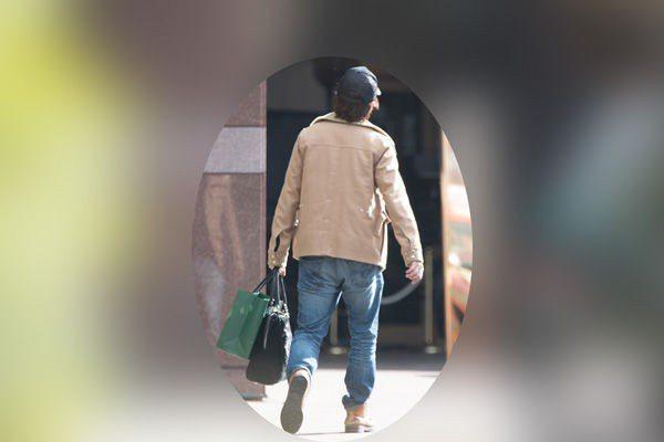 櫻井翔被拍到進出女方家。圖/摘自週刊post