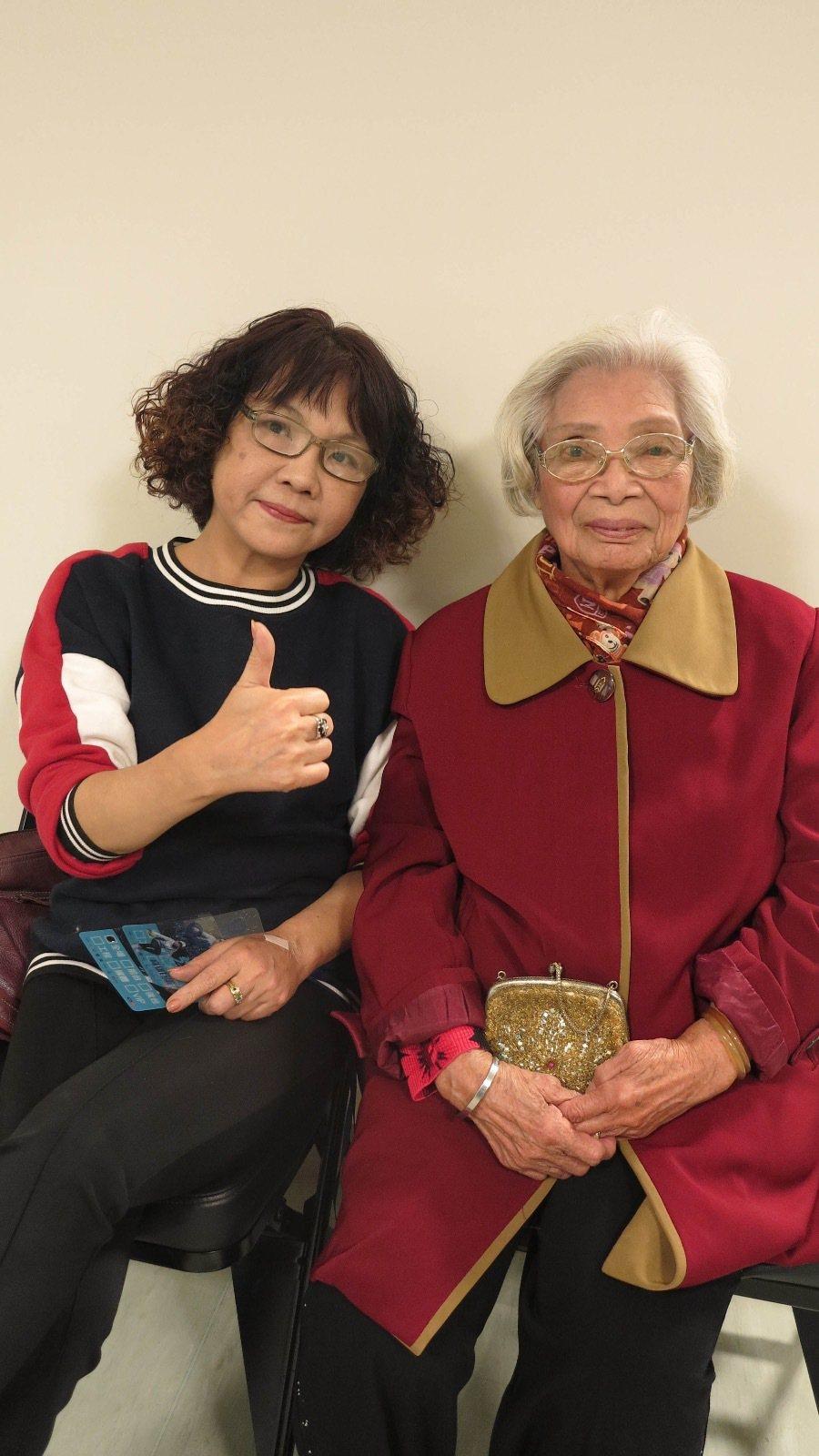 陳零九的媽媽和阿嬤也到場。圖/混血兒娛樂提供
