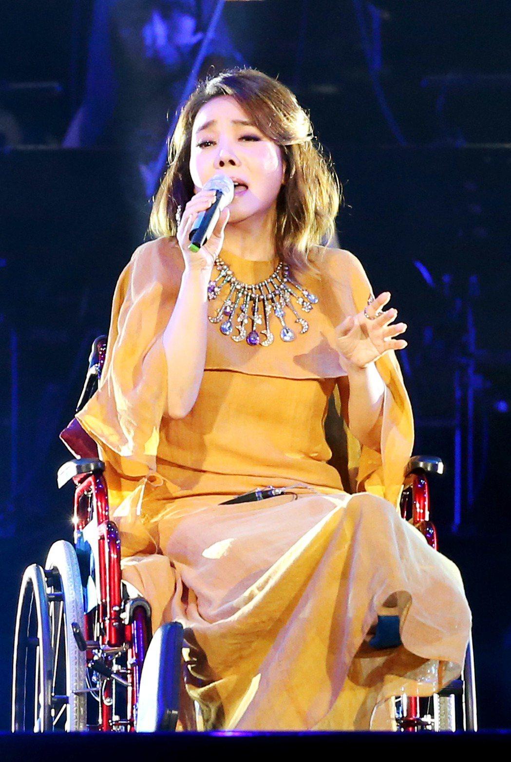 「假如我是羅大佑演唱會」在台北小巨蛋演出,辛曉琪坐著輪椅演唱羅大佑經典作品。記者