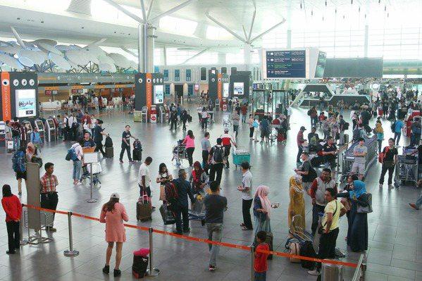 防毒物殘留 馬國政府凌晨1點為機場消毒