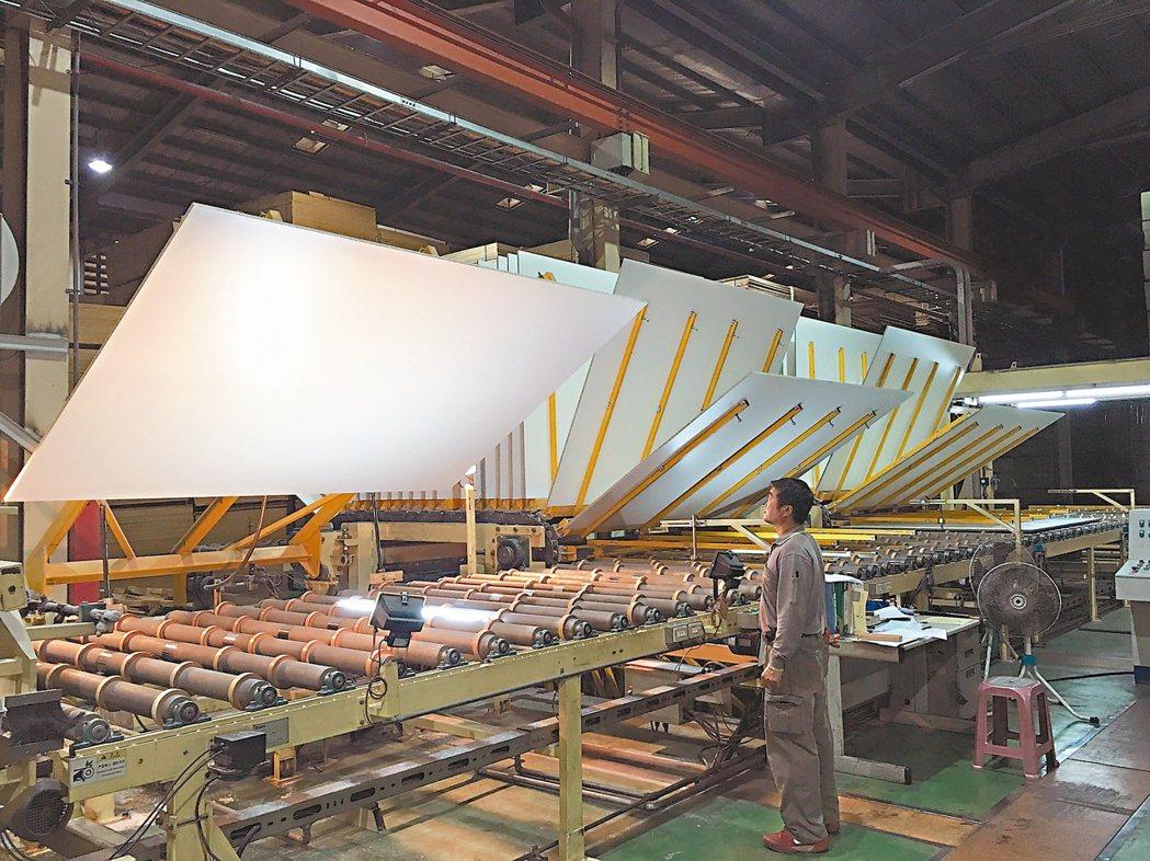 龍疆是國內唯一獲環保雙標章的綠色優質企業。