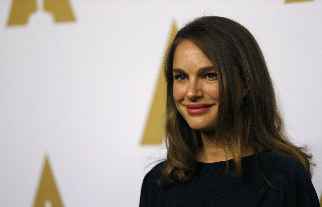 以「第一夫人的秘密」入圍本屆奧斯卡最佳女主角的娜塔莉波曼,由於懷著第二胎身孕,將
