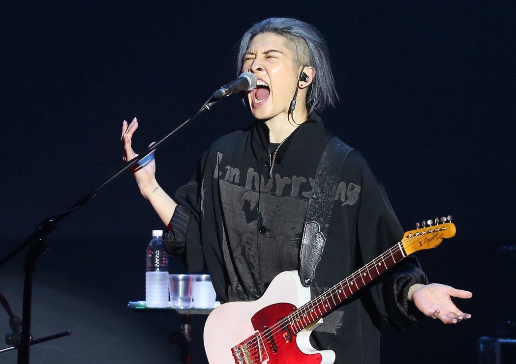 日本搖滾歌手「雅Miyavi」在ATT SHOWBOX舉辦演唱會,並用中文問候許