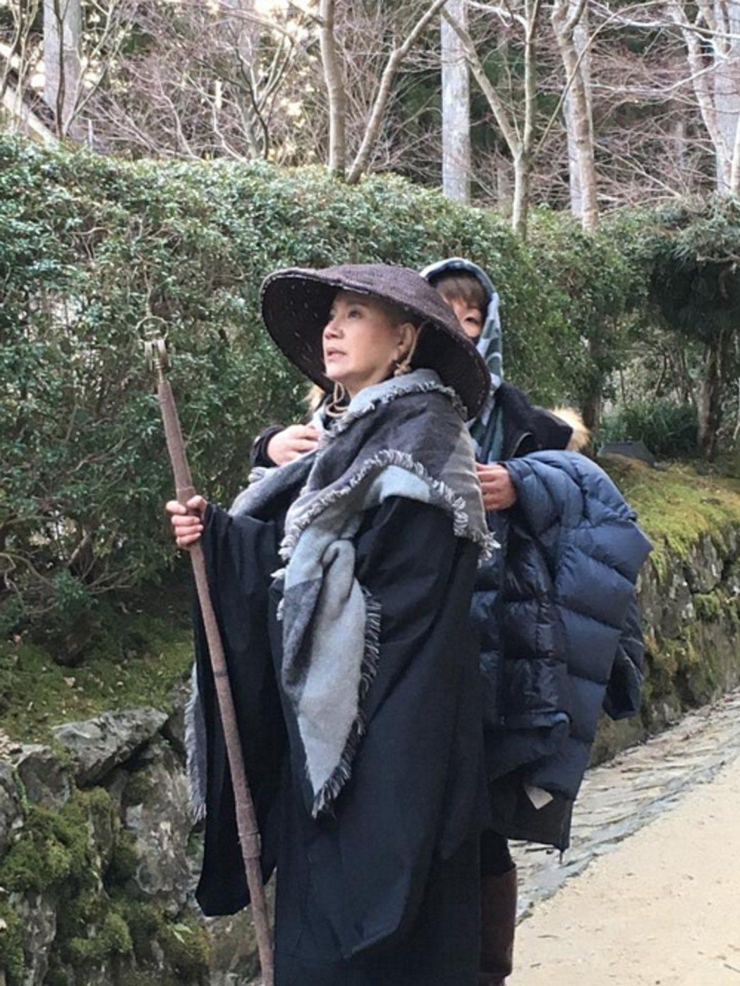 唐美雲為「高僧傳-六祖惠能」赴日本高野山取景。圖/大愛提供