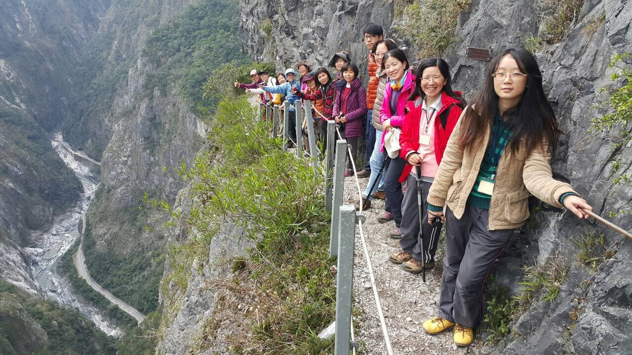 錐麓古道有豐富生態環境及陡峭的峽谷地形而知名,吸引不少民眾申請入山。圖/天祥青年...