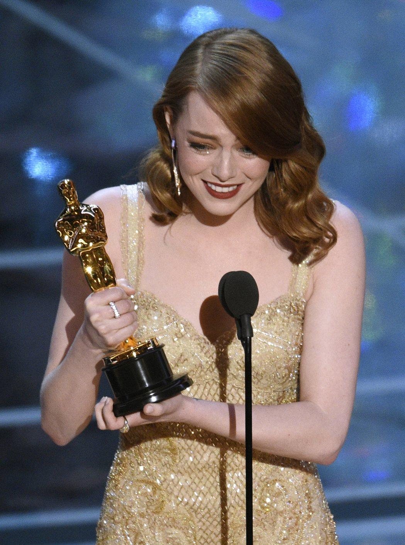 艾瑪史東榮獲奧斯卡最佳女主角。圖/美聯社