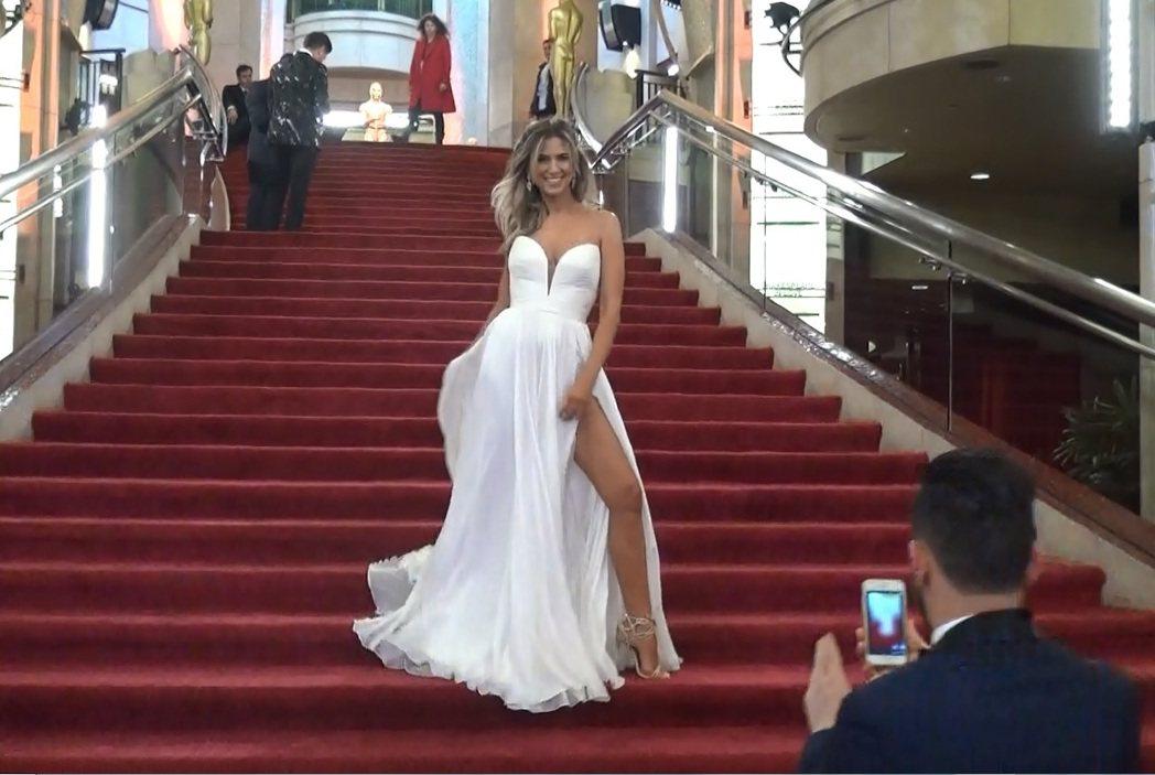 奧斯卡星光紅毯女星爭奇鬥妍,網路主播Nikki說,走紅毯很興奮,看好「樂來越愛你...