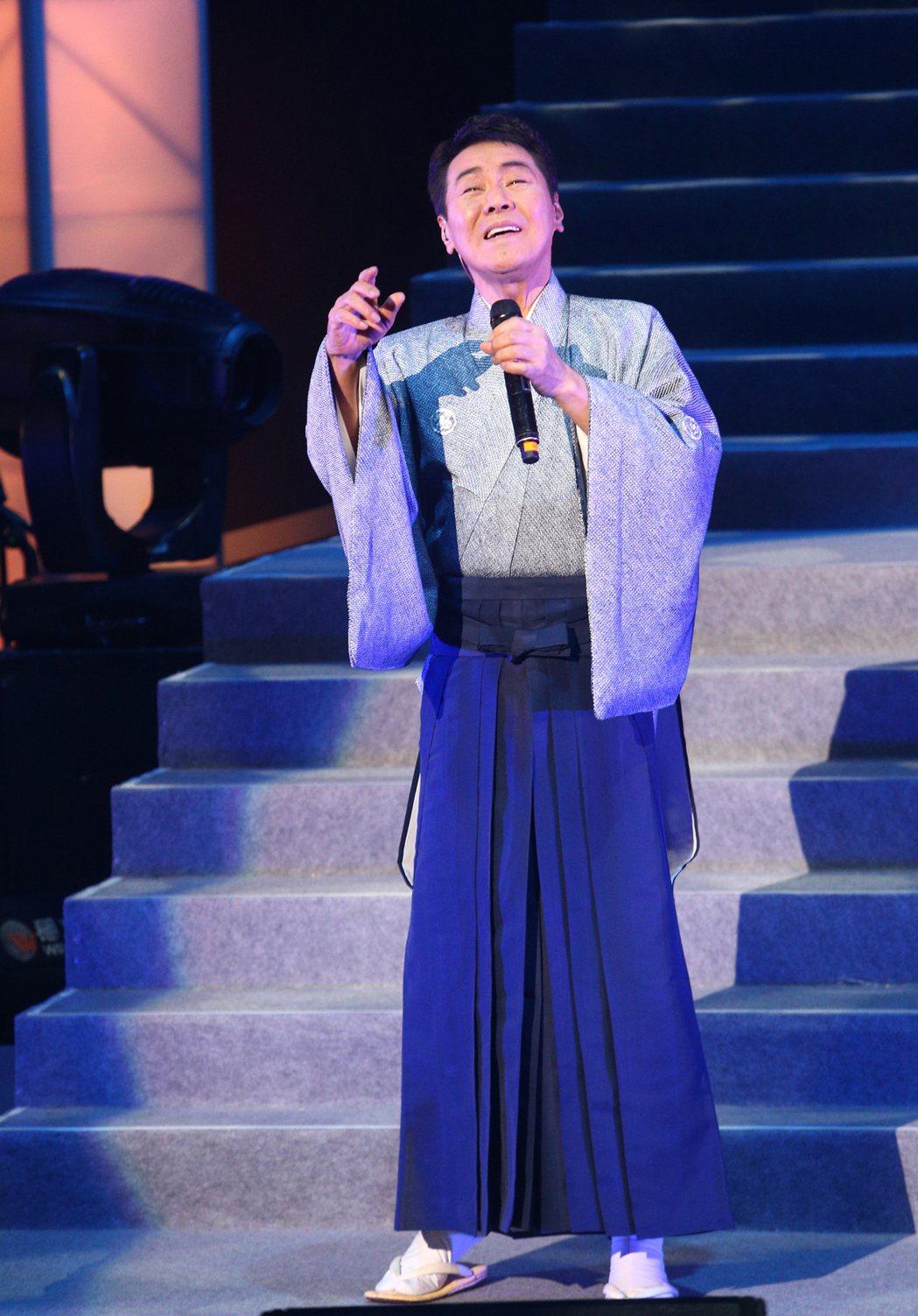 68歲日本演歌天王五木寬昨晚在台北國際會議中心舉行演唱會,睽違兩年來台開唱,五木...