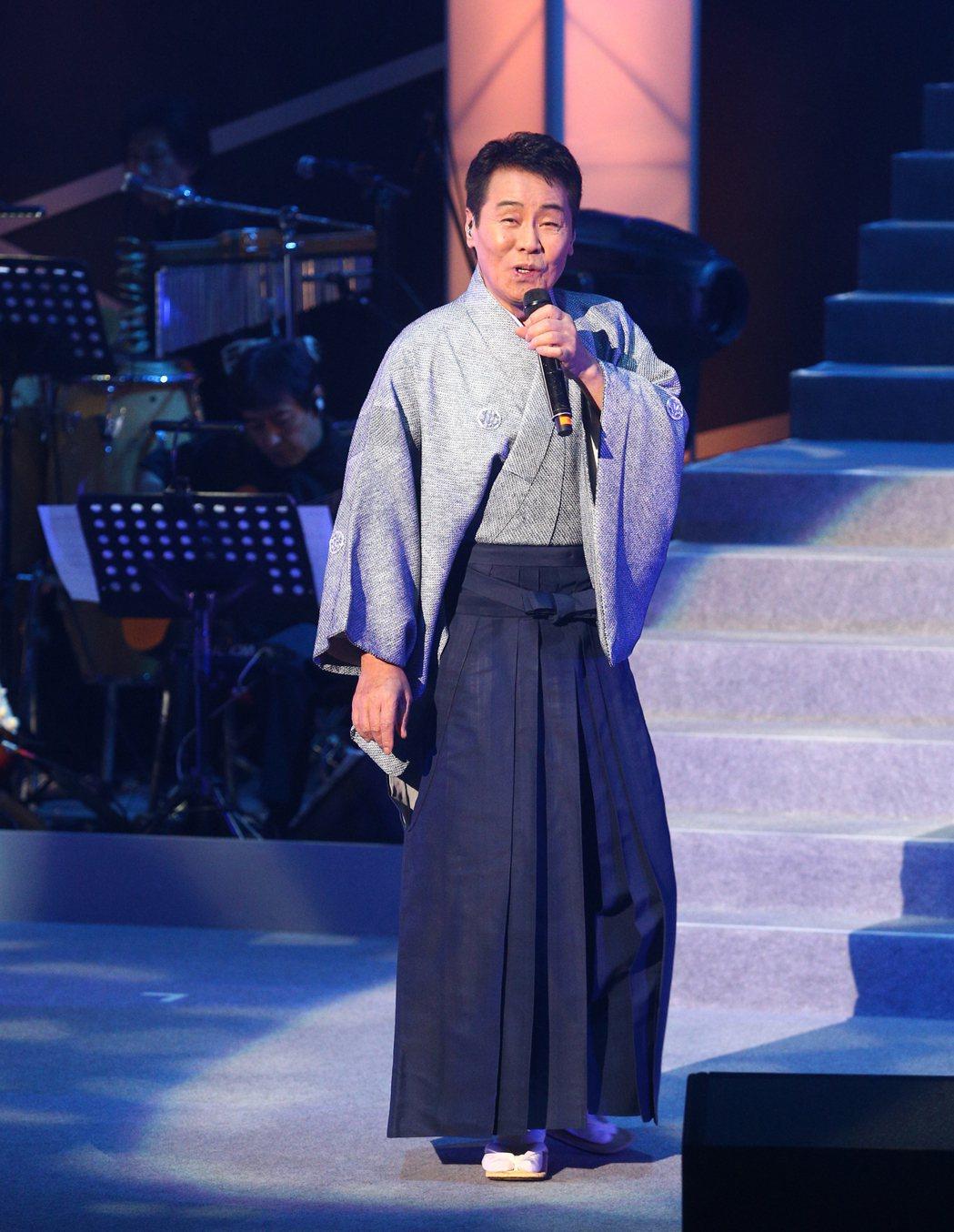 68歲日本演歌天王五木寬在台北國際會議中心舉行演唱會,睽違兩年來台開唱,五木寬苦...