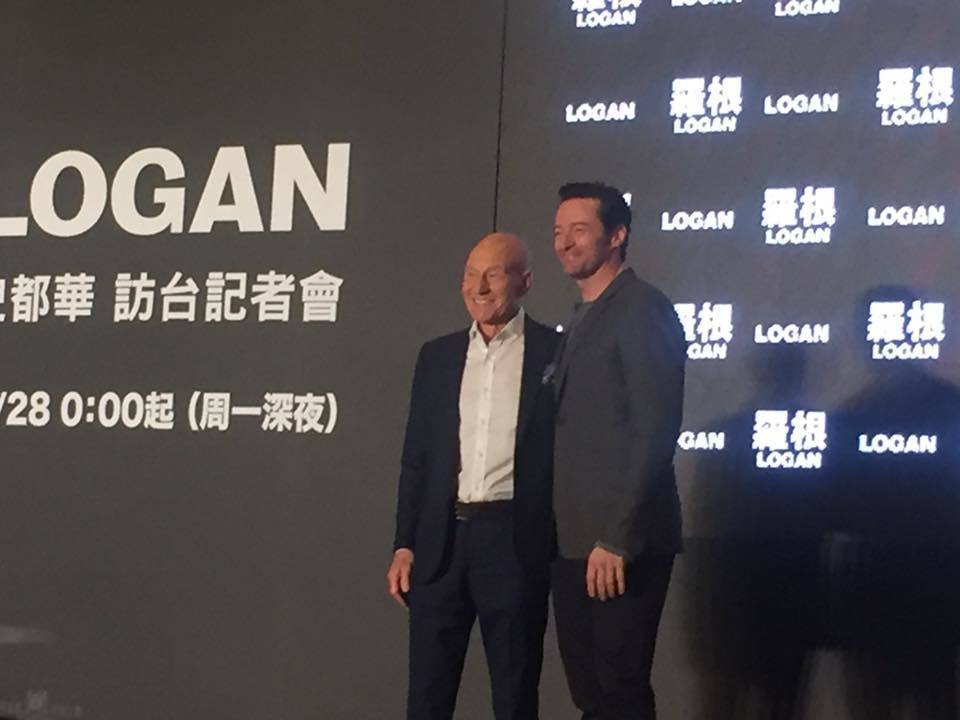 休傑克曼(右)、派屈克史都華(左)為新片「羅根」訪台。記者陳建嘉/攝影