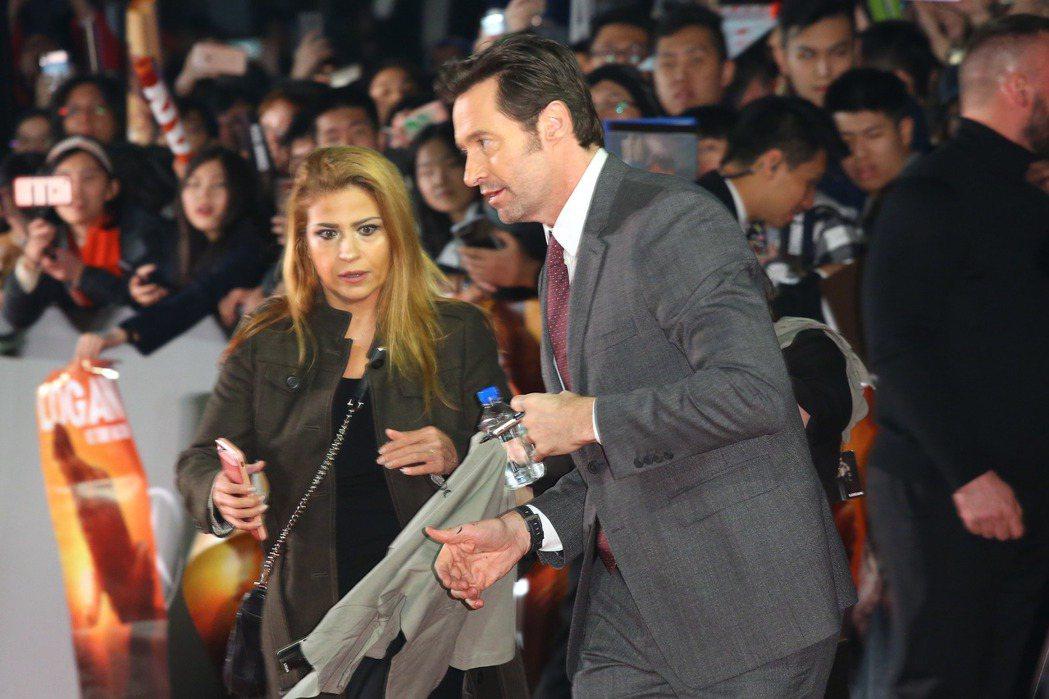 金鋼狼休傑克曼(Hugh Jackman)現身台北101,出席亞洲首映秀中文、狂