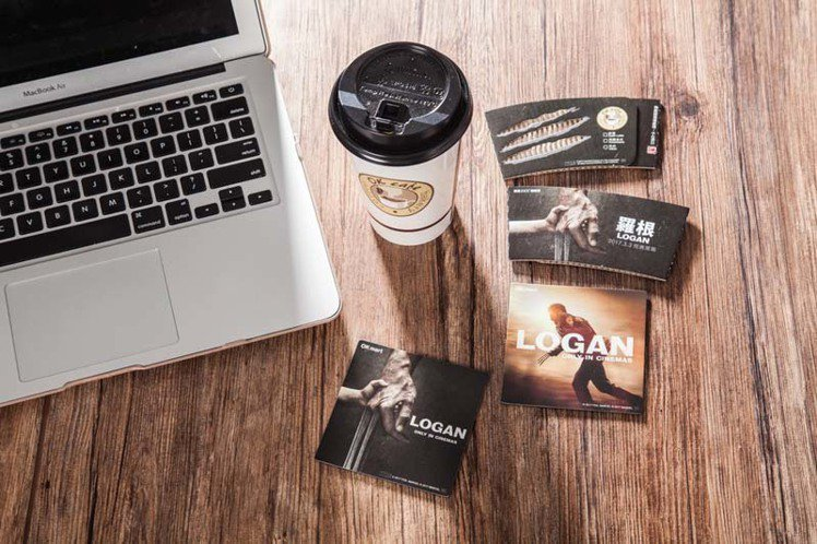 OK超商推出羅根磁鐵杯墊、限量咖啡杯套。圖/OK超商提供
