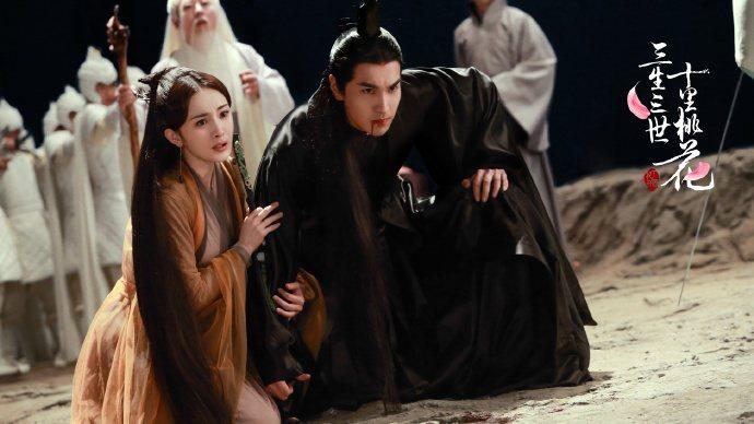 趙又廷在「三生三世十里桃花」裡,與楊冪拍吻戲到中途,突然喊停跑去刷牙,搞得楊冪非