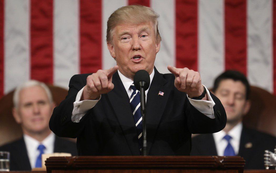 美國總統川普放話,未來將對「匯率操縱國」直接施壓制裁。 美聯社