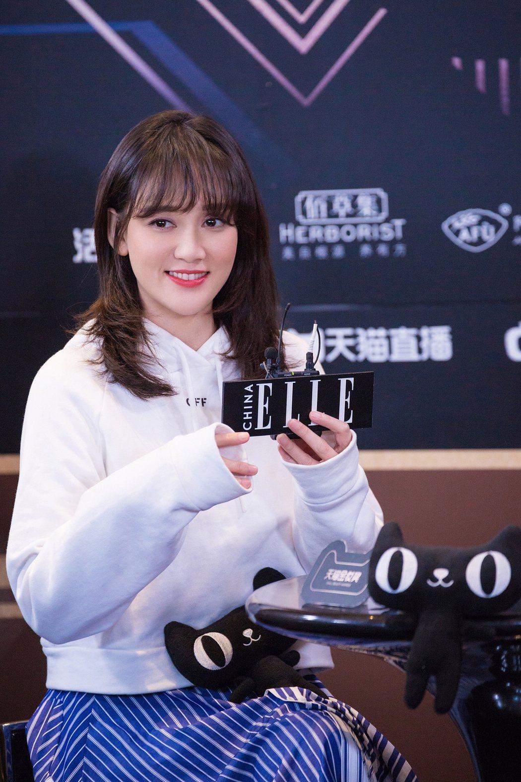 事實上,「陳喬恩工作室」2月28日曝光陳喬恩出席活動的照片,照片上她的V臉早已不...