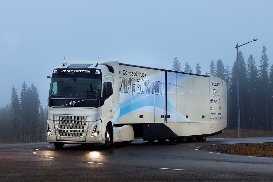 Volvo 自家的 I-See 駕駛輔助系統將為這套油電系統量身打造,因此在駕駛時,可透過這套系統預測前方 5 公里的地形,並計算出最經濟、有效的駕駛方式。 摘自 Volvo Trucks