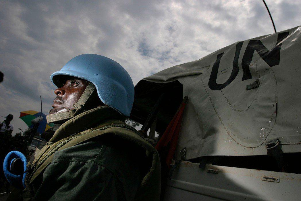 ECOMOG調停的能力,在過去備受國際社會質疑,時常在維和的後期仍需要聯合國接手...