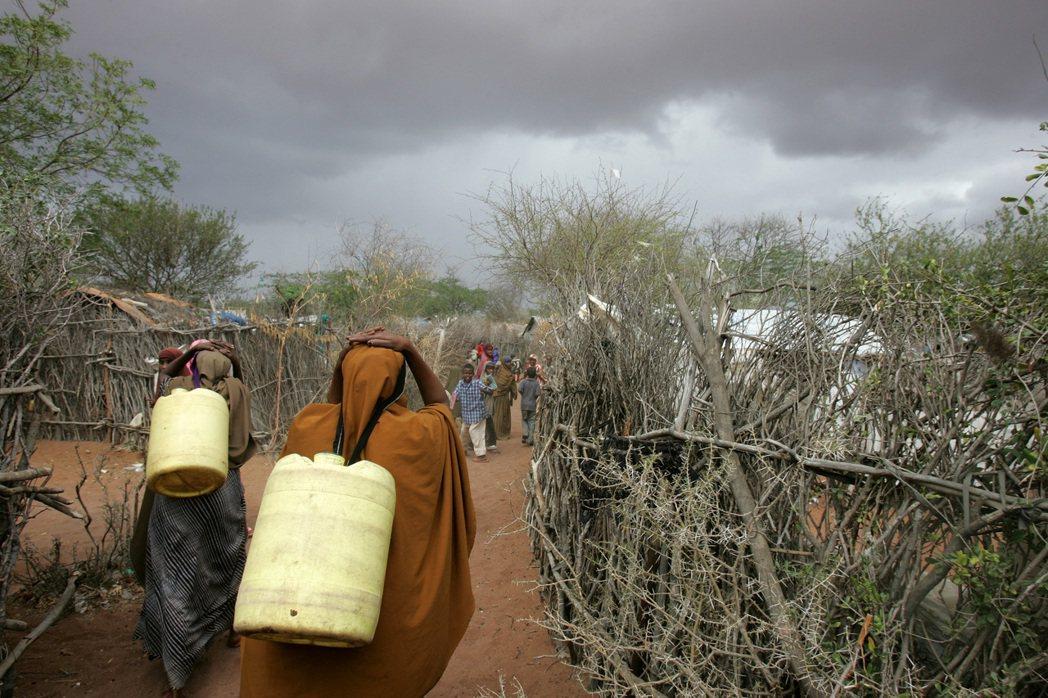 不斷的內戰與武裝衝突導致難民流竄。  圖/美聯社