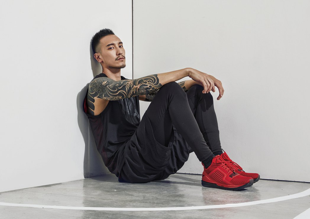 王陽明接受雜誌專訪。圖/MILK潮流誌提供