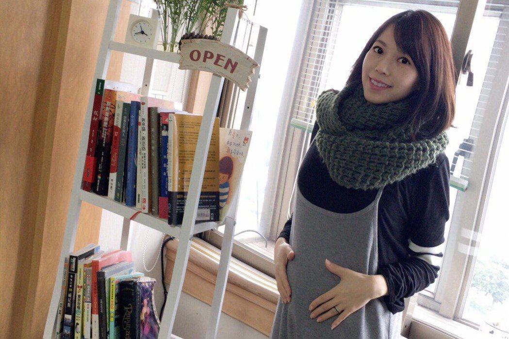 東森主播陳智菡懷孕5個月,預計7月中迎接寶寶。圖/東森提供