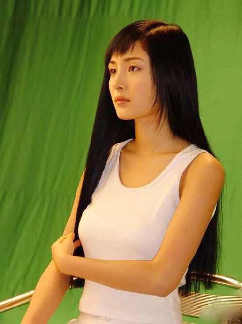 網友挖出楊冪模特兒時期舊照上傳微博。圖/取自微博