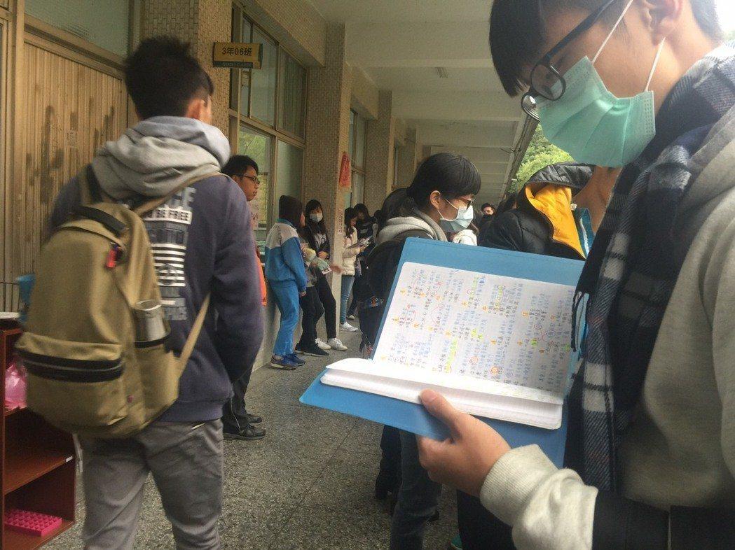 「107課綱注定失敗」反考招5選4 高中師擬上街頭