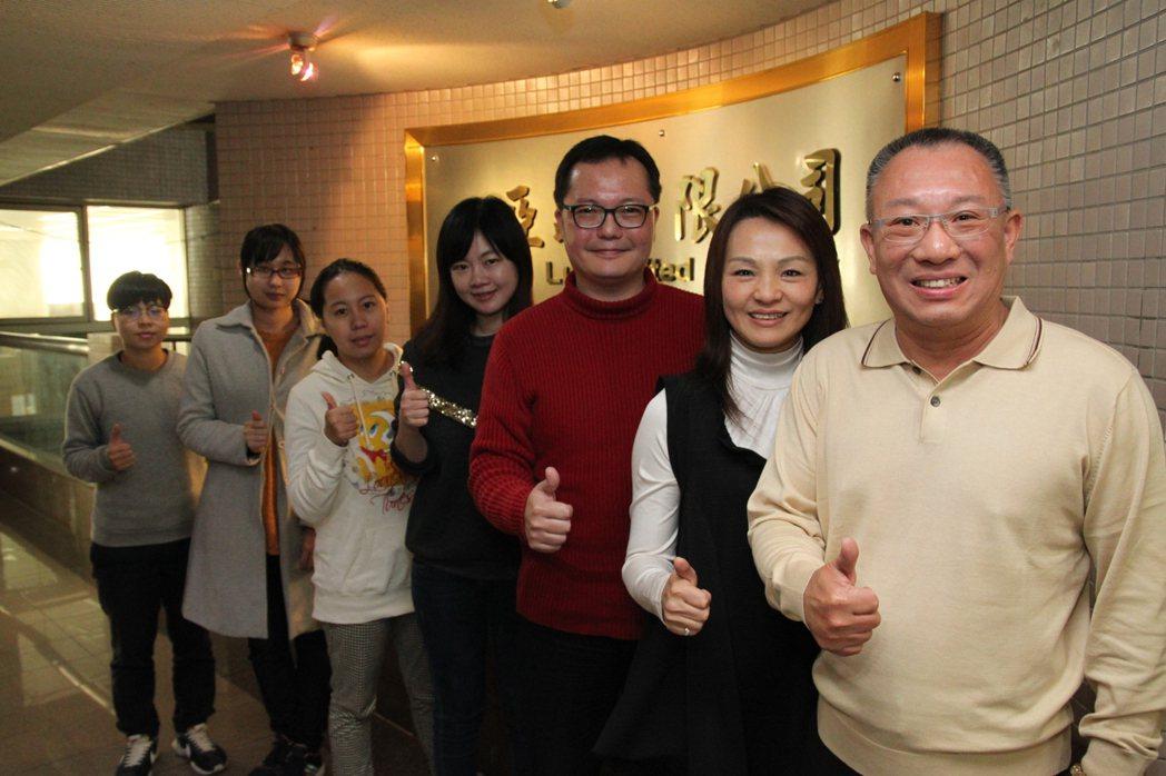 亞路行動百貨董事長鄭瑞斌認為,主動找客人應是新的行銷潮流。記者黃寅/攝影