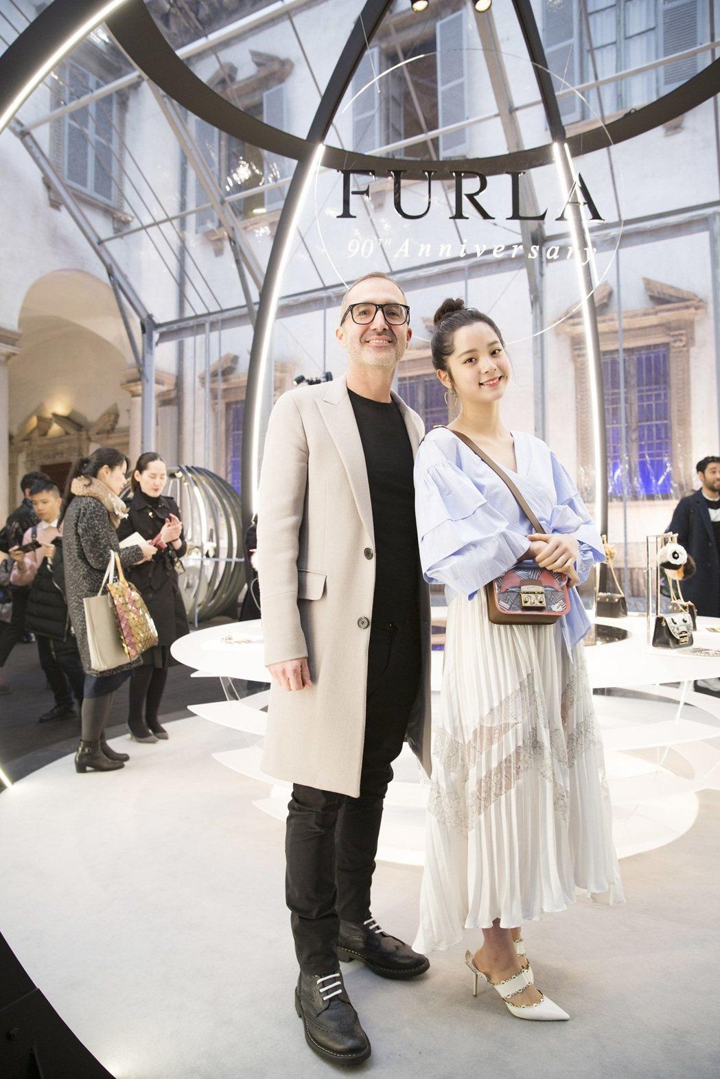 Furla創意總監Fabio Fusi和歐陽娜娜。圖/Furla提供
