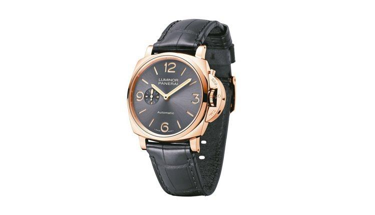 霍建華記者會上配戴沛納海Luminor Due 45毫米3日動力儲存紅金腕表,8...
