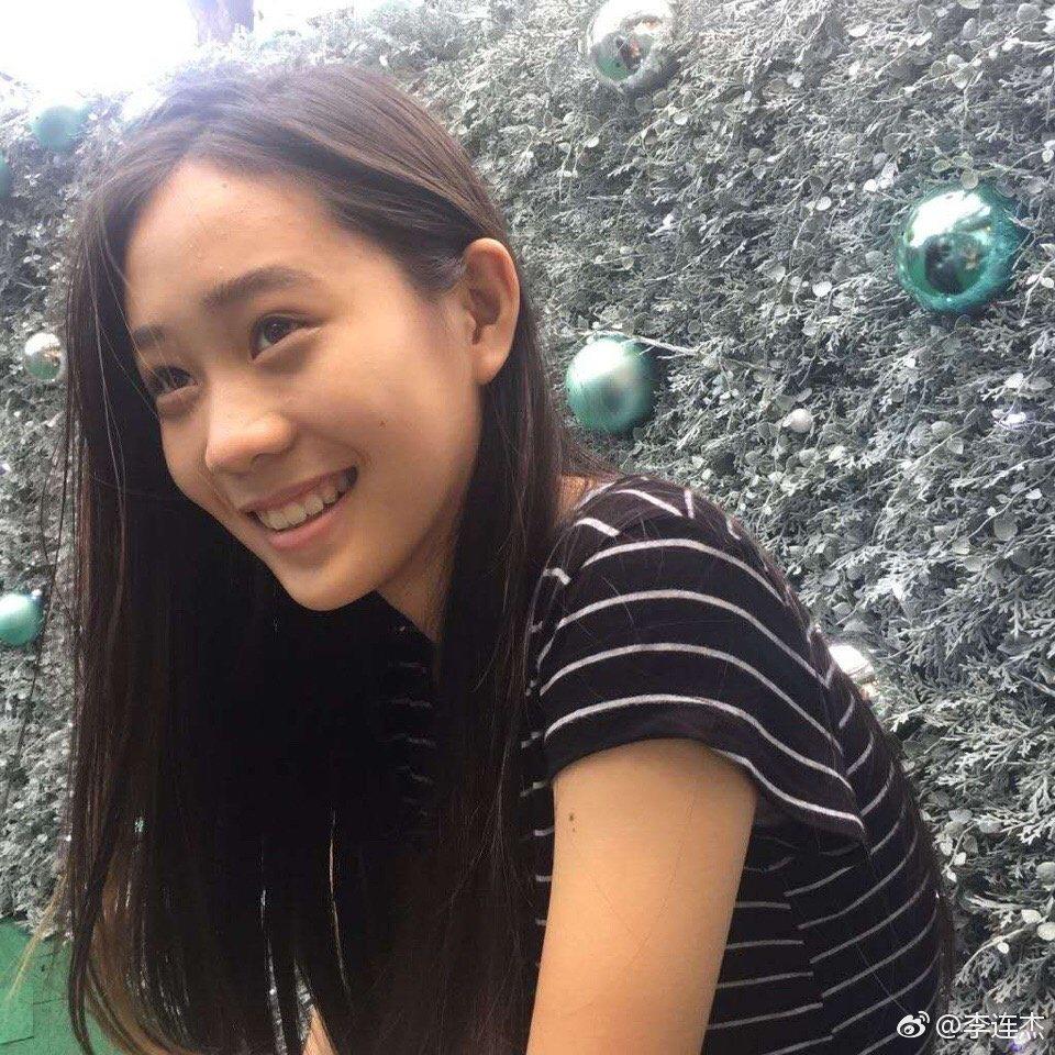 李連杰的14歲女兒Jada,一雙水靈大眼與優雅氣質,有爸爸李連杰與媽媽利智的氣質...