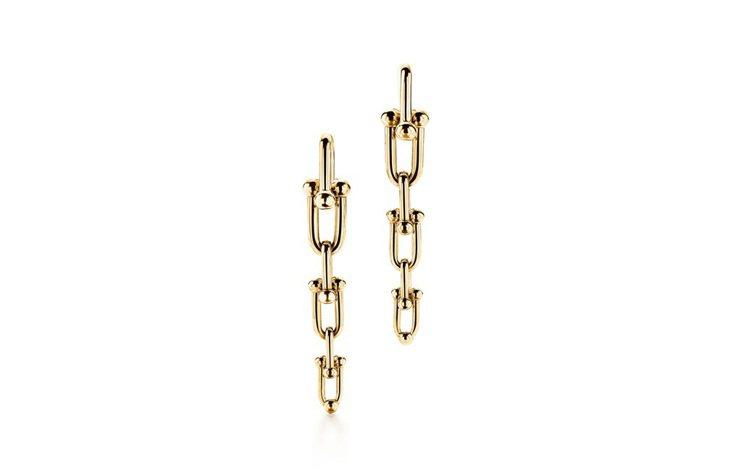 Tiffany HardWear鏈結設計垂墜式18K金耳環。圖/Tiffany提...