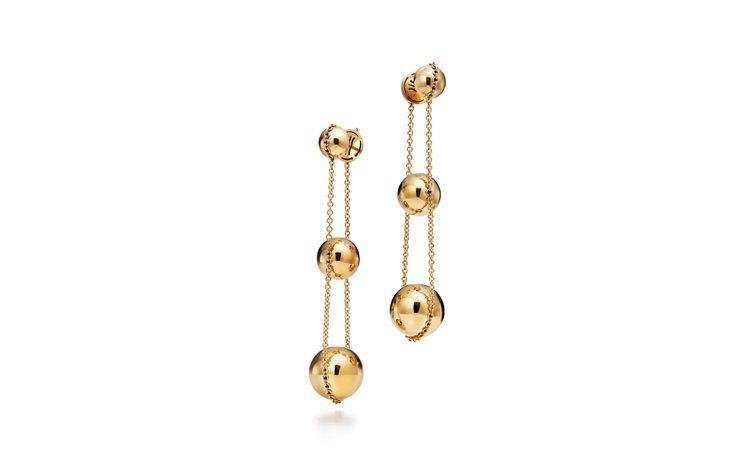 Tiffany HardWear 三層垂墜式球形18K金耳環。圖/Tiffany...