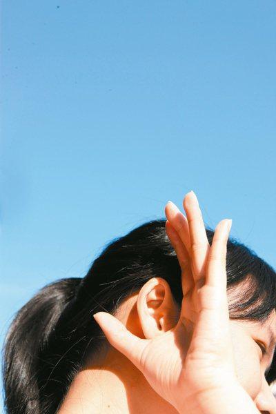 不可小看聽力損失,聽力不佳不僅影響情緒,也會增加老年失智機會。 報系資料照片
