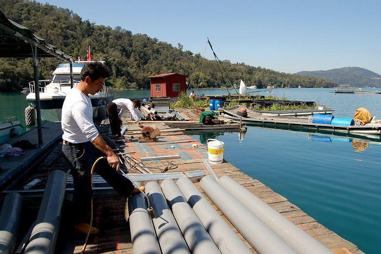 因日月潭是所有淡水湖與水庫中,唯一具有漁會以及有規模的淡水漁業的地區,故儘管過去...