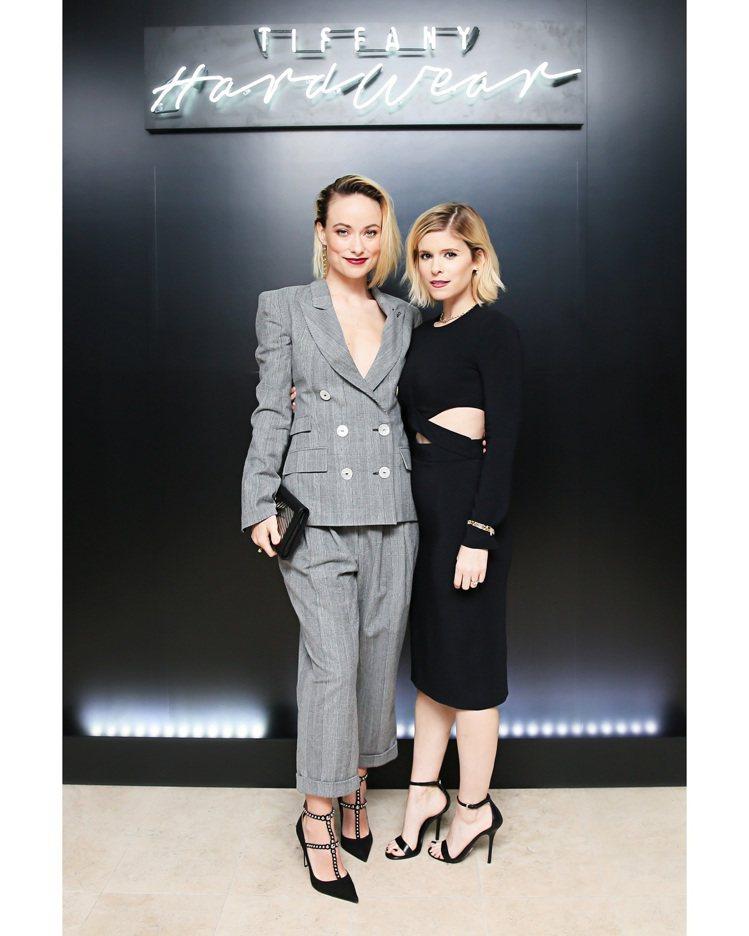 Olivia Wilde(左)與KateMara配戴TiffanyHardWea...