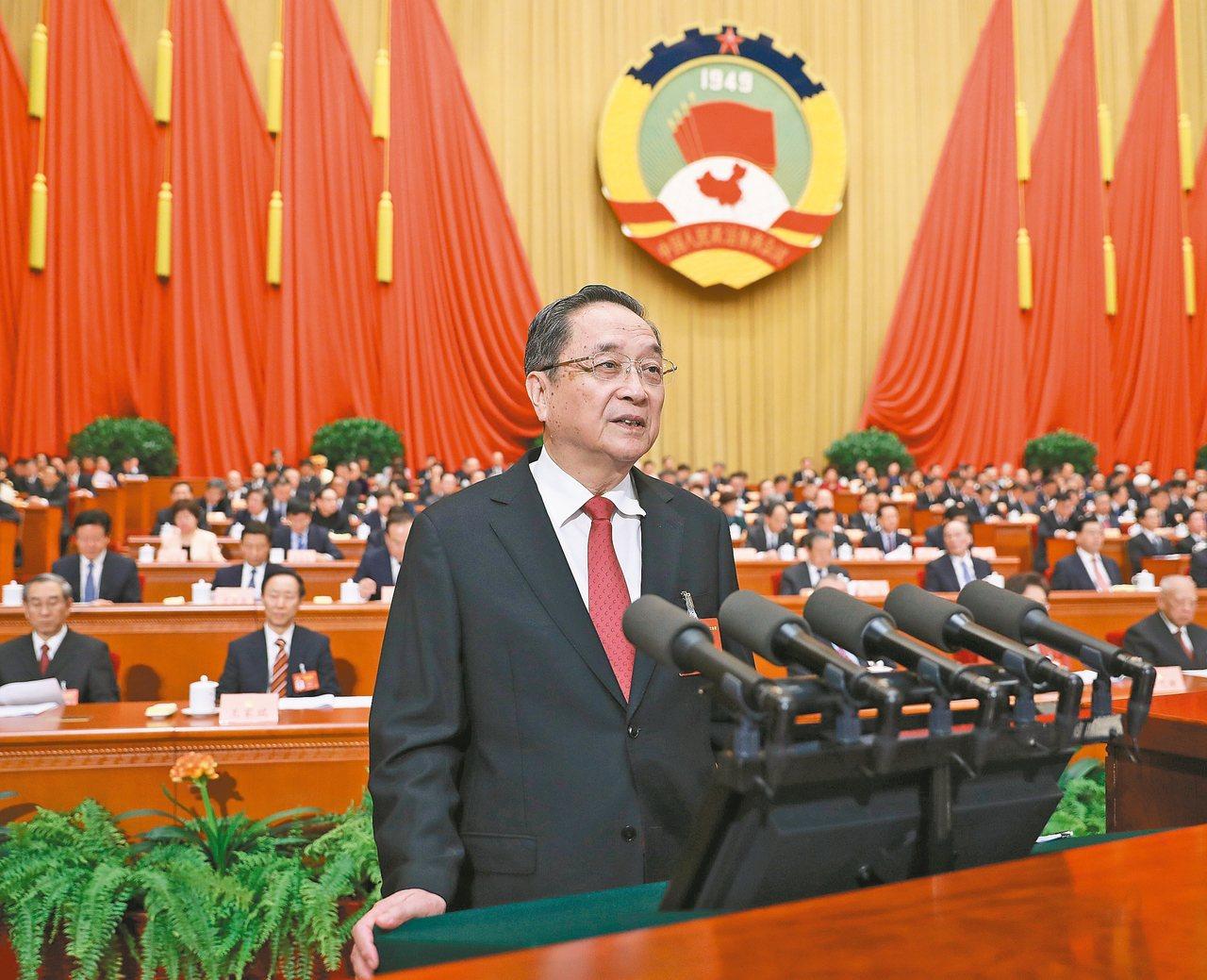 大陸全國政協第十二屆第五次會議昨開幕,政協主席俞正聲進行工作報告。 新華社