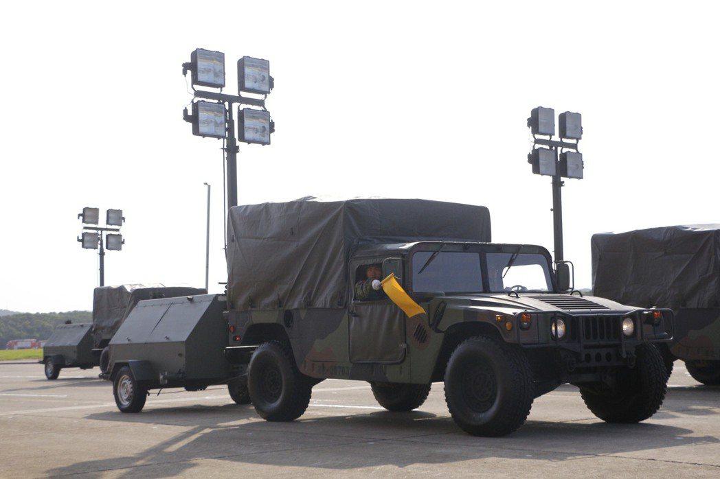 悍馬車在國軍現役部隊,幾乎作為萬用車輛。資料圖片