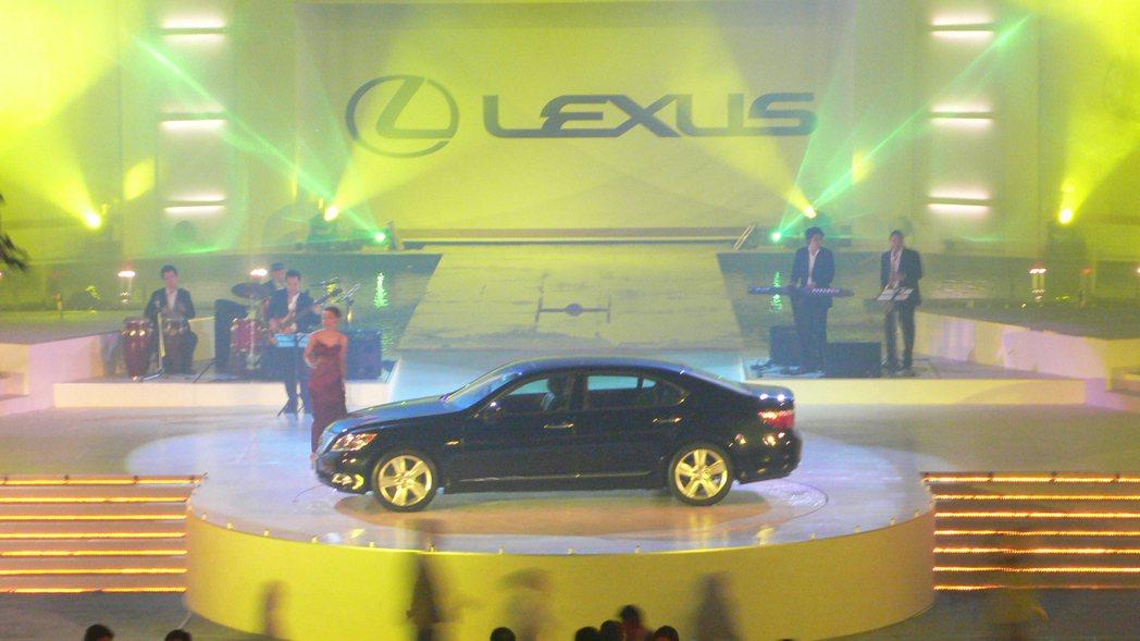 2006年引進LEXUS LS460。 圖/和泰汽車提供