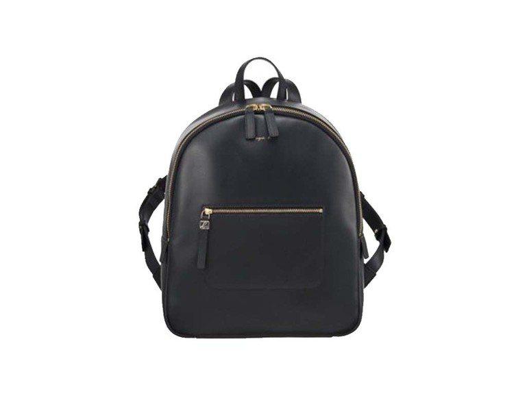 Mimi黑色後背包,16,980元。圖/agnès b.提供