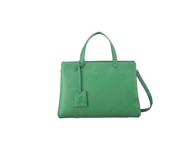 Sophie綠色肩背手提兩用包,14,980元。圖/agnès b.提供