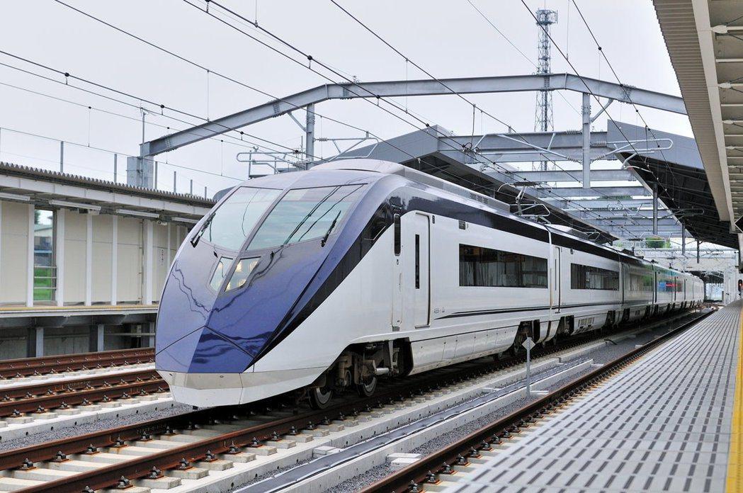 圖為日本京成電鐵Skyliner特快列車。 圖/取自京成電鐵官網