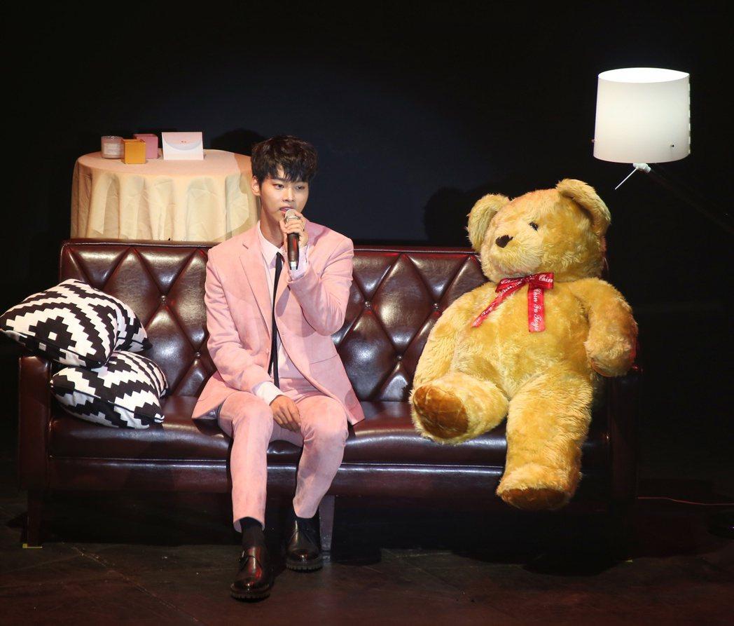 韓團VIXX隊長N於ATTSHOWBOX舉辦粉絲見面會。記者陳立凱/攝影